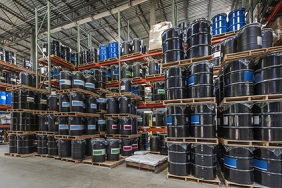 etiquette logistique sur baril